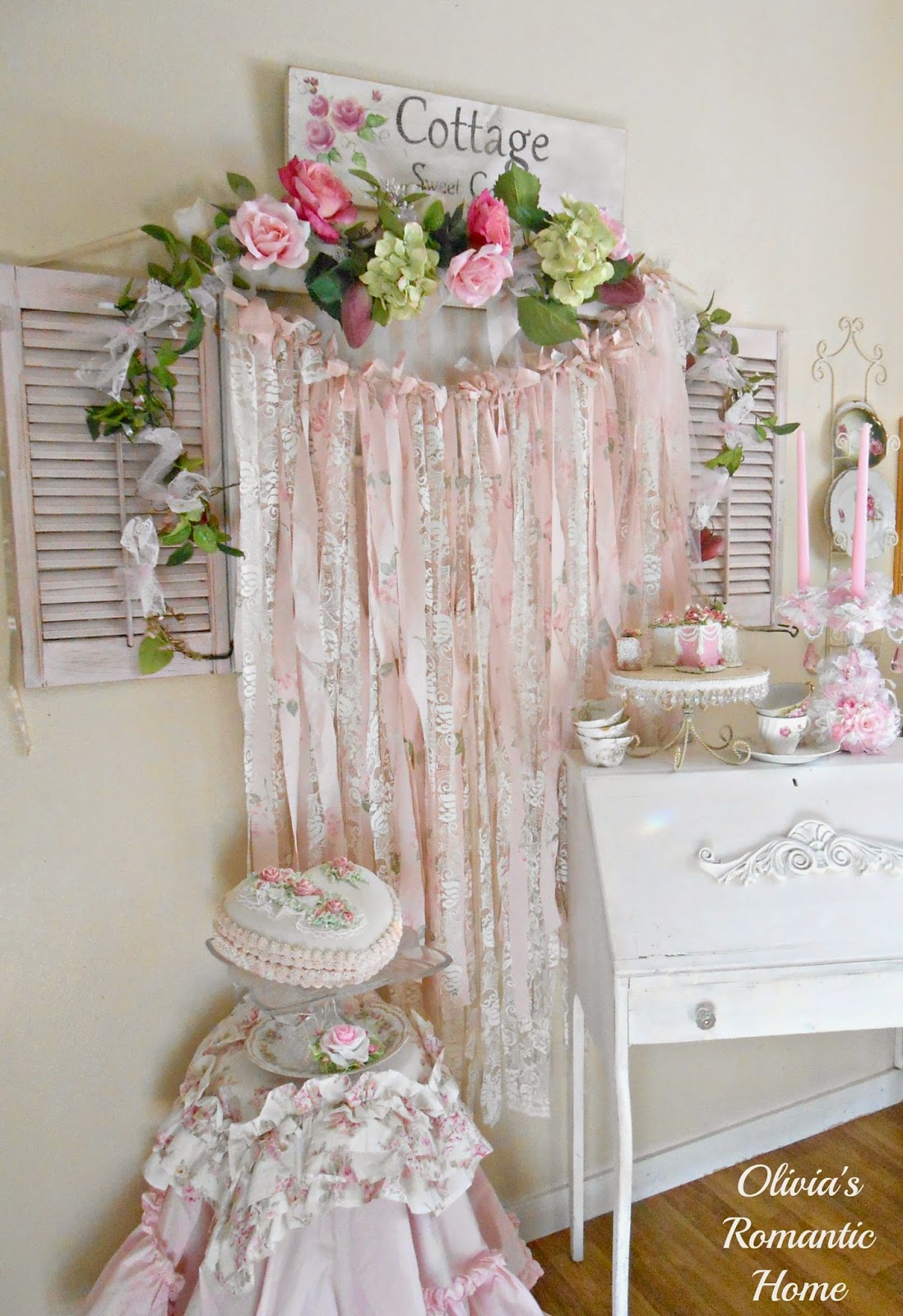 Shabby Chic Beach Cottage Tour: Olivia's Romantic Home: Shabby Chic Rag Garlands