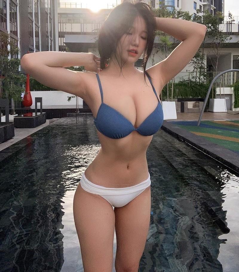 Modelo sensual da Malásia Siew Pui Yi