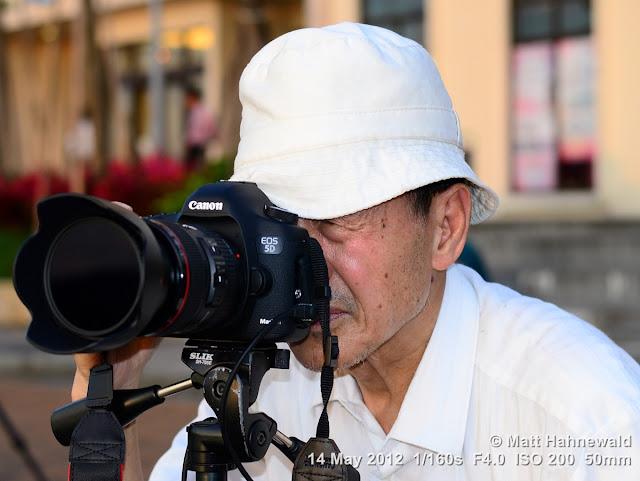 people, street portrait, street photographer, Taiwan, Taipei, Canon EOS 5D