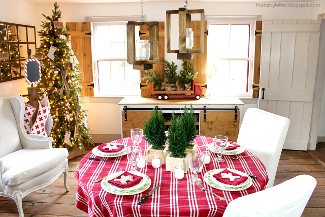 farmhouse christmas table gingerbread theme