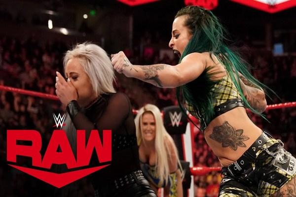 المصارعة روبي رويت تسجل عودتها لحلبات WWE وتهاجم بشكل مفاجئ صديقتها ليف مورجان