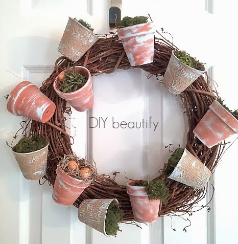 How to Make a Flower Pot Wreath with Moss
