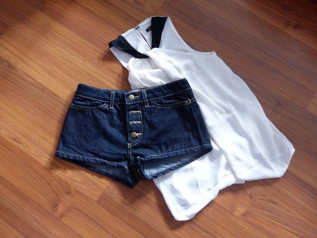 Kleidung auf Boden