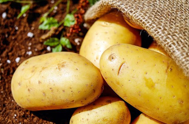 Điều trị quầng thâm bằn khoai tây