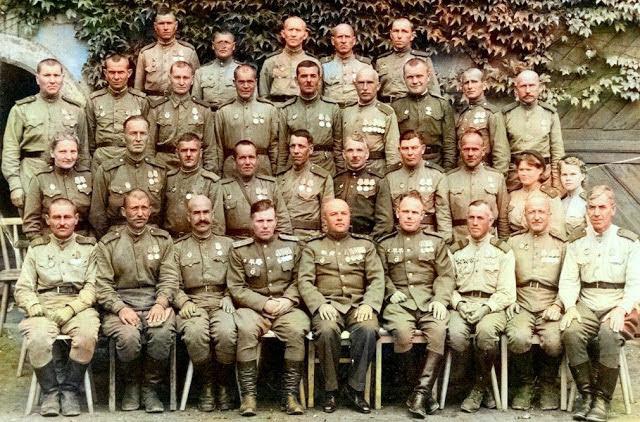 Воины 43-й гвардейской пушечно-артиллерийской бригады