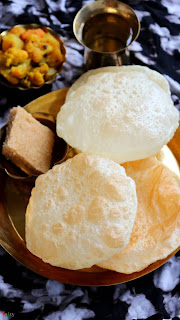 luchi in kolkata best food and delicious