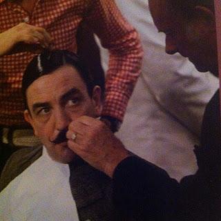 El actor Albert Finney como Hércules Poirot en Asesinato en el Orient Express - 1974