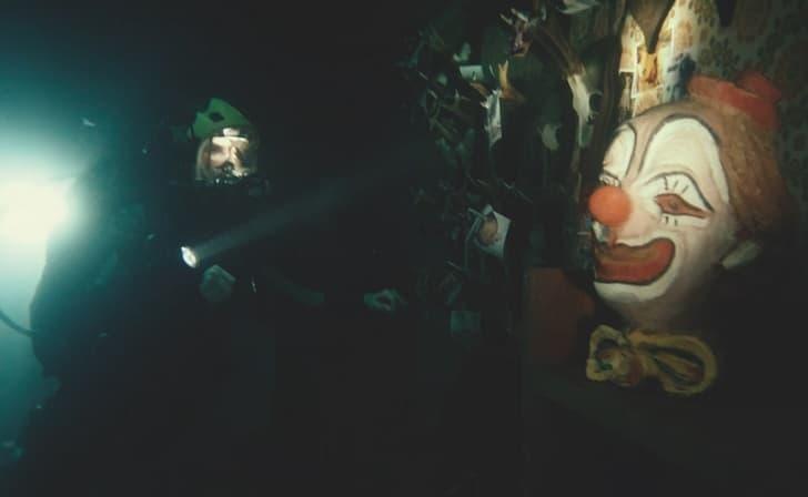 Первым хоррором Blumhouse и EPIX стал французский слэшер «Подводный дом» - премьера 5 ноября