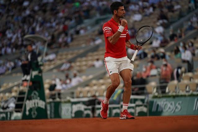 Novak Djokovic vence mais um italiano e está na semi de Roland Garros