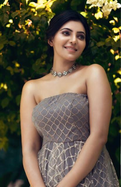 Athulya Ravi Latest Stills Navel Queens