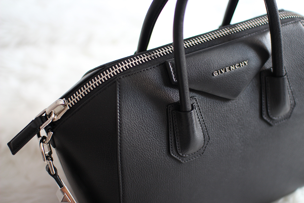 Read More For Additional Photos Of This Bag As Well Some Great Sites To Purchase It From I Got Mine A Steal