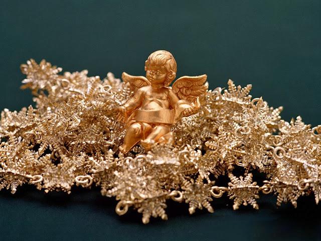 Kerst plaatje met gouden engel