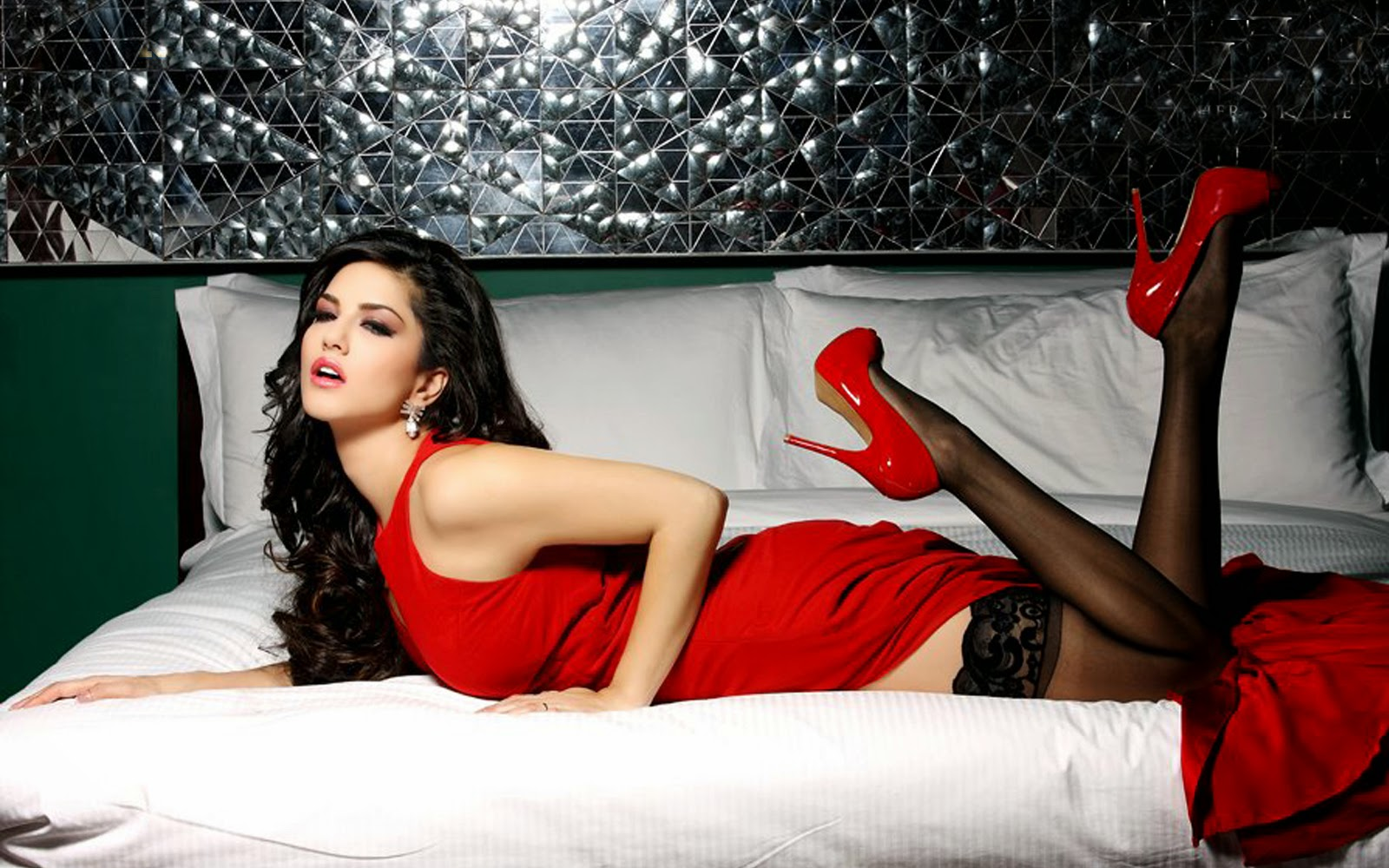 Global Pictures Gallery Sunny Leone Full Hd Wallpapers-1364