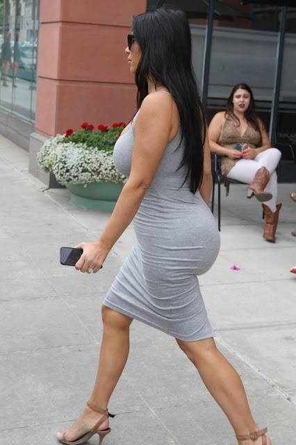 Big Butt of Kim Kardashian. kim kardashian nude selfie pic