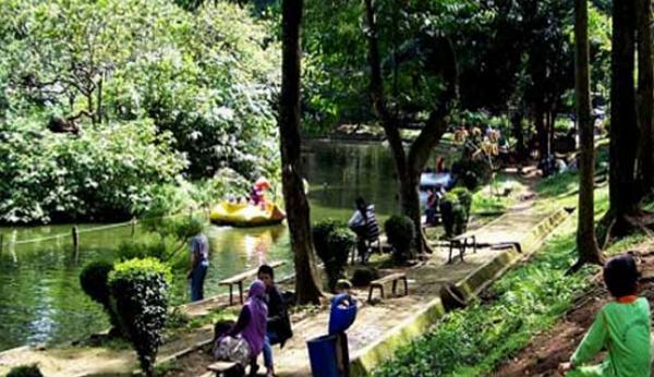 Wisata Kebun Binatang Bandung