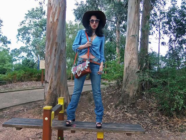 fashion, moda, look, outfit, blog, blogger, walking, penny, lane, streetstyle, style, estilo, trendy, rock, boho, chic, cool, casual, ropa, cloth, garment, inspiration, fashionblogger, art, photo, photograph, Avilés, oviedo, gijón, asturias, vaquero, vaqueros, denim, jeans, dress, vestido, artesanal, handmade