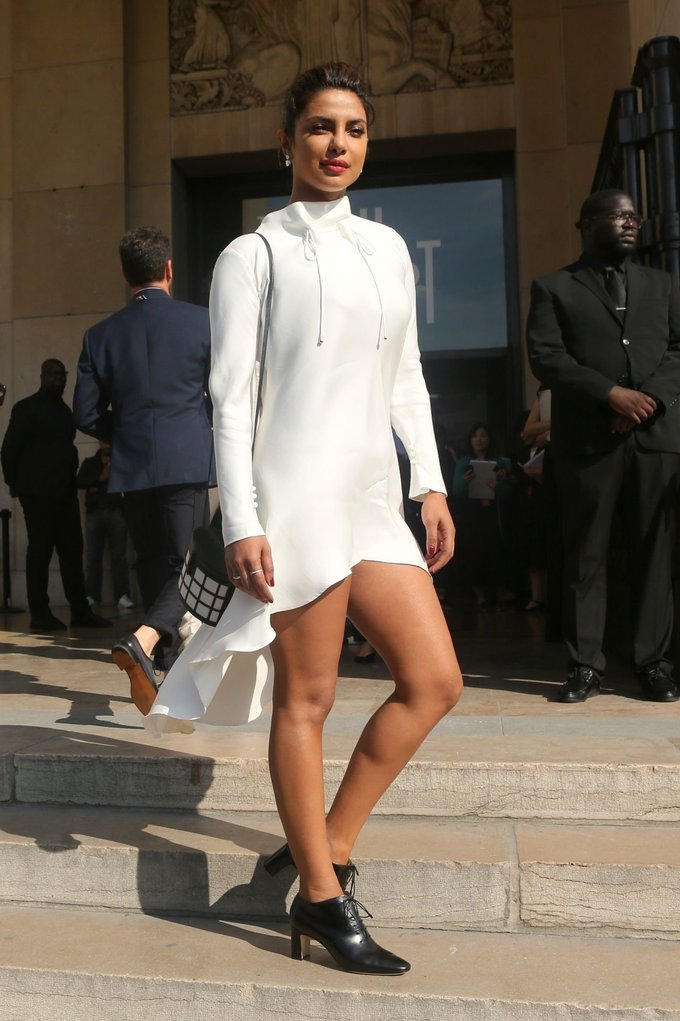 Priyanka Chopra Spicy Stills for Giorgio Armani Prive Haute Couture FW17 Show
