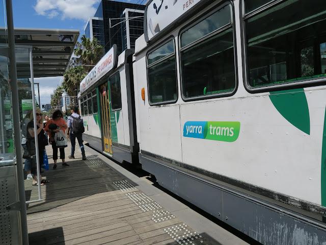 yarra tram, free tram zone, melbourne, australia
