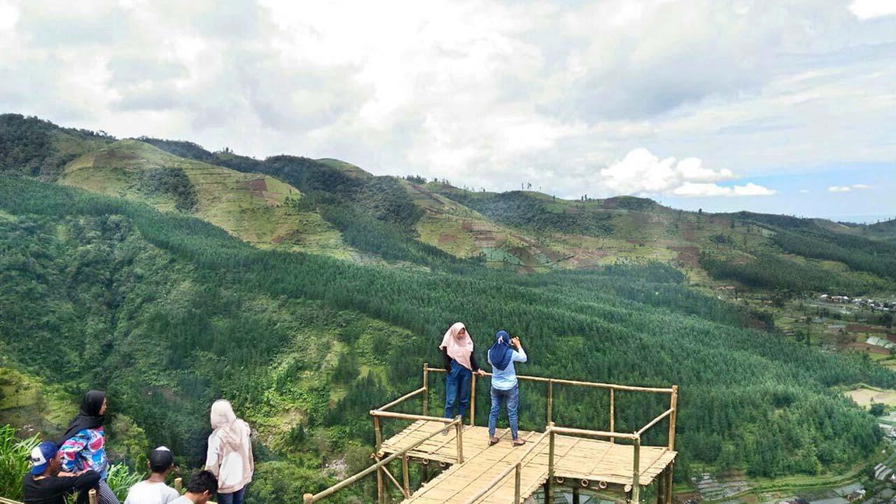 Berwisata ke Bukit Baper Solusi Nyetok Foto Terbaikmu di Sosial Media