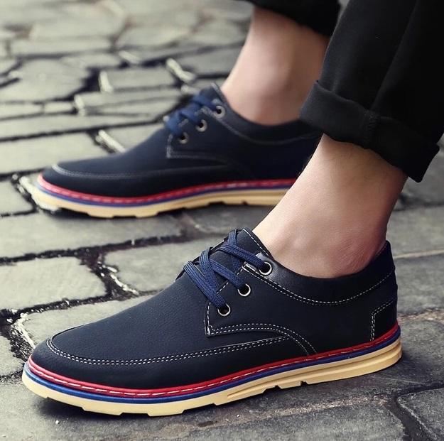 Pilihan Sepatu Yang Cocok Untuk Travelling
