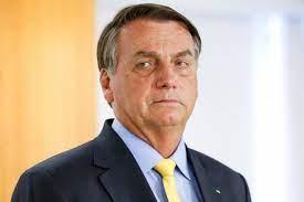 Jair Bolsonaro chama Globo de merda e manda reportér calar a boca