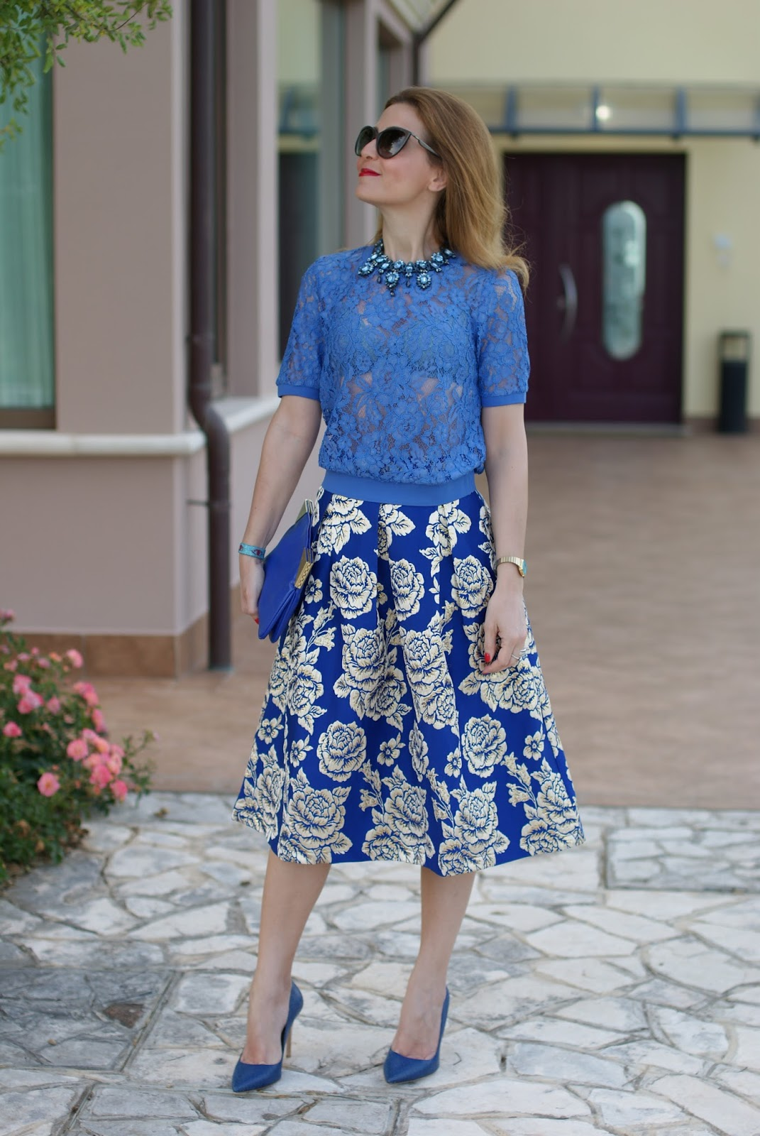 Jacquard midi skirt and Yumi see through lace t-shirt on Fashion and Cookies fashion blog, fashion blogger style