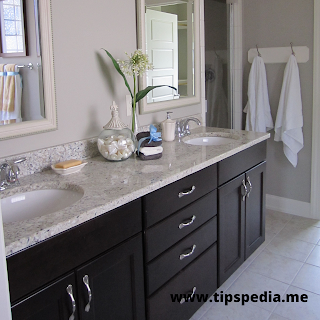 bathroom cabinets and countertops