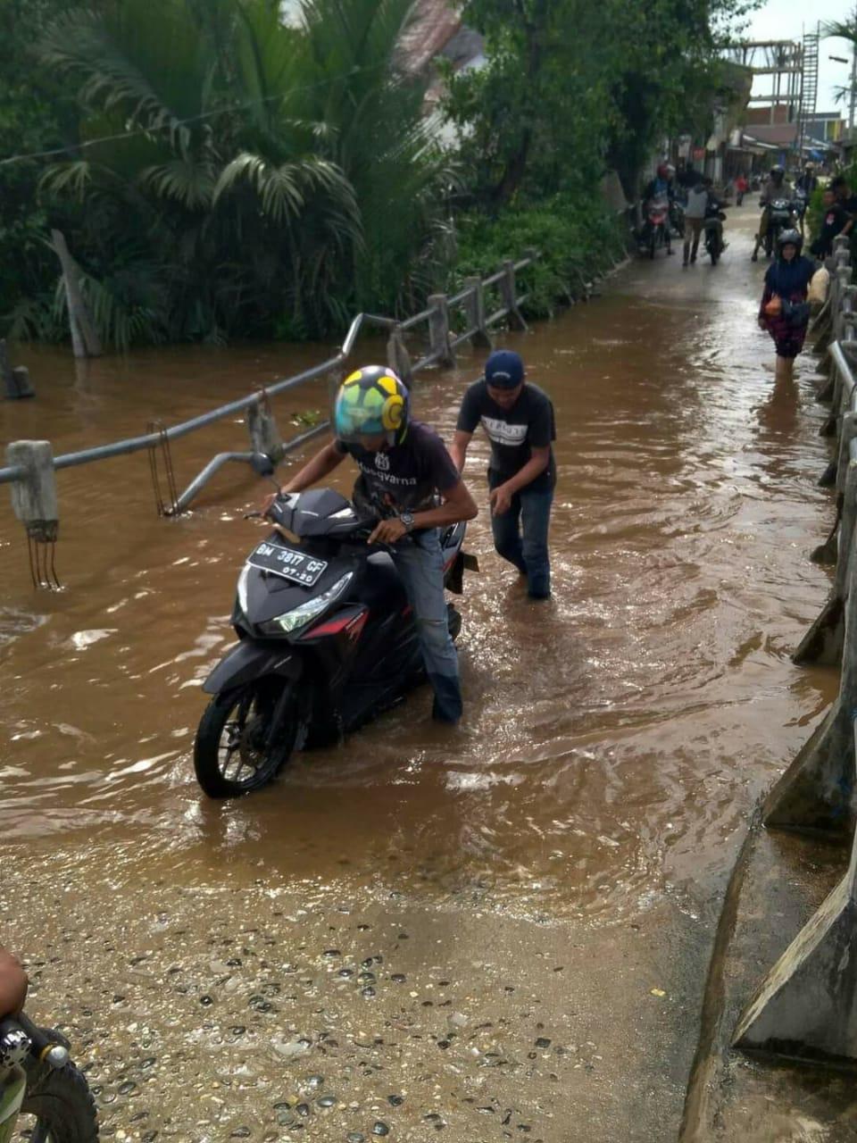 Jembatan Sungai Piring di Dapil Ketua DPRD Inhil Memprihatinkan
