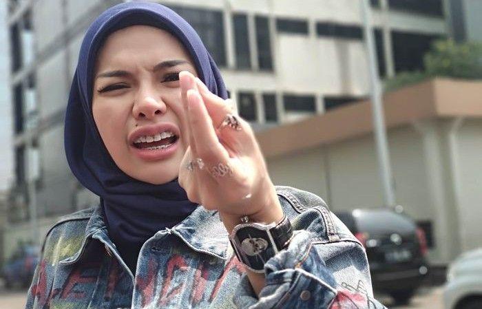 Ngaku Bangun Masjid di Bandung, Nikita Mirzani: Neraka Jadi Tempat Saya!