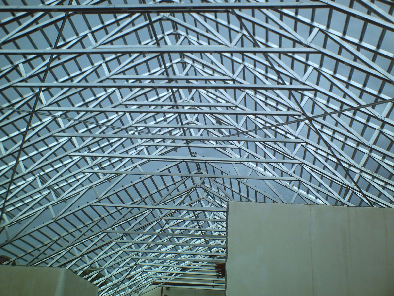 harga rangka atap baja ringan di malang analisis perbandingan konstruksi kayu dan ...