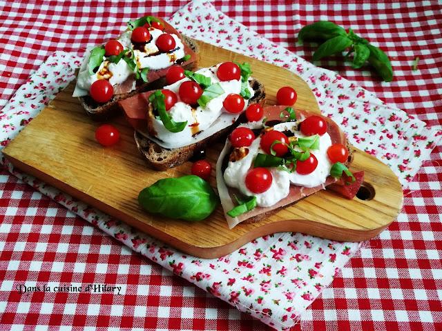 Brushetta à la burrata, tomates Tomberry, jambon cru et basilic - Dans la cuisine d'Hilary