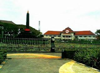 Alun-alun Tugu Balai Kota Malang