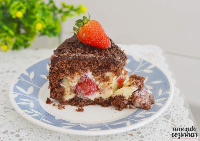 bolo de morango e chocolate