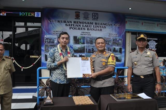 Dukung Pelayanan Kepada Masyarakat Kota Banjar, BRI Kanca Banjar Beri Bantuan Renovasi Tempat Pelayanan SIM Polres Banjar