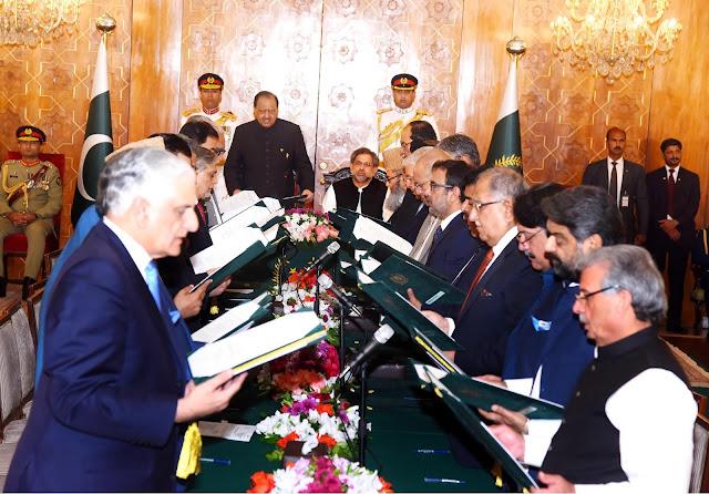 آصف شاہد: پاکستان کی نئی وفاقی کابینہ، فوج کے ناقدین نمایاں