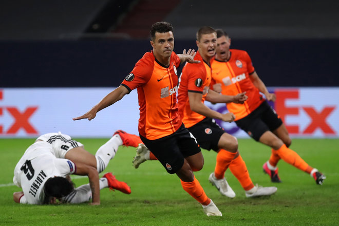 """4 anh hào đấu bán kết Europa League cực nóng: MU đua """"Vua săn cúp"""" 2"""