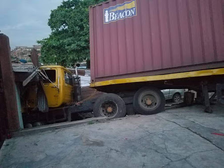 Truck Crashes Into A Shop In Lagos After Brake Failure (Photos)