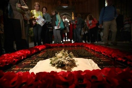Catherine's bouquet on the Tomb of the Unknown Soldier in London.