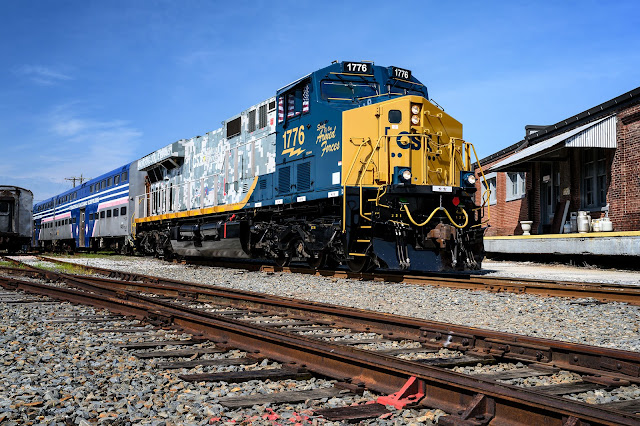 "CSX's ""Spirit of Our Armed Forces"" No. 1776 locomotive"