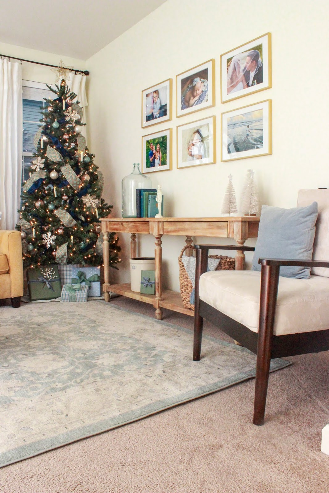 decorating with blues and greens for christmas
