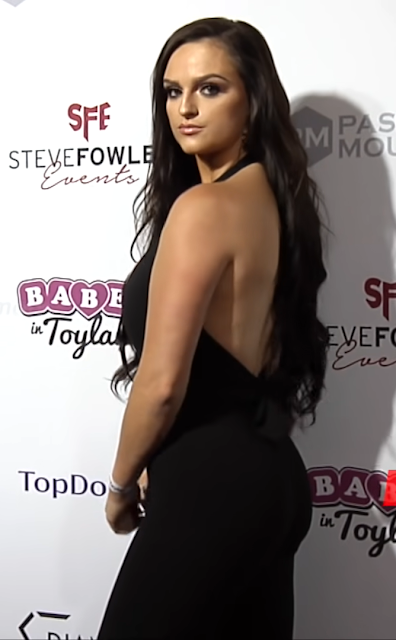 Jamie Leigh Thornton Hot Pictures 2018 Babes in Toyland Holiday Toy Drive Red Carpet Actress Trend