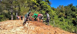 Babinsa Bersama Masyarakat Kerja Bakti Di Lingkungan Warga kecamatan keling