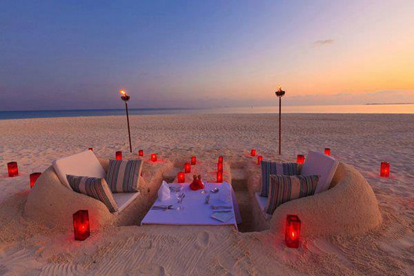 Daily Inspiration Romantic Candlelight Beach Dinner