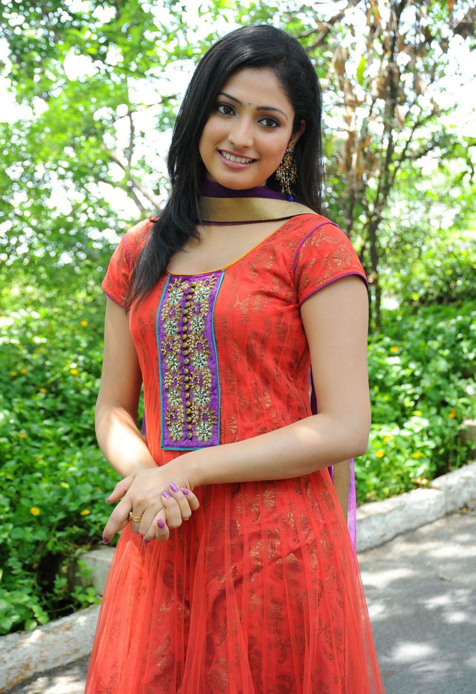Beautiful Indian collage bhabhi