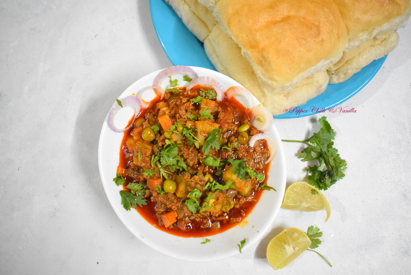 east indian kheema with peas/kheema pav