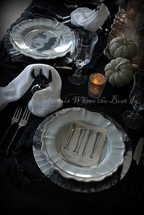 Halloween Tablescape by Home is where the Boat Is from Hometalk via Funky Junk Interiors