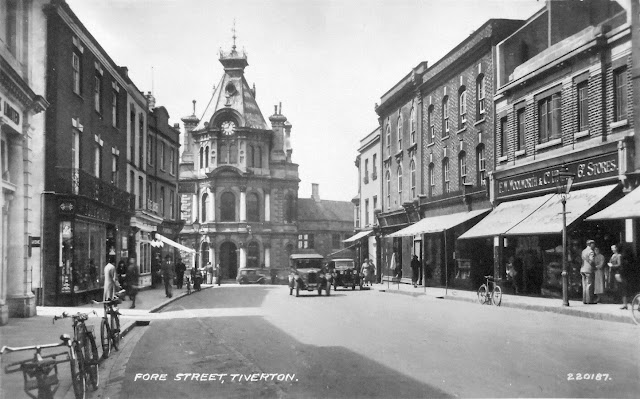 Postcard of Fore Street c.1938