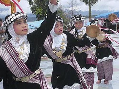 Tari Pho, Tarian Tradisional Dari Aceh (Nanggroe Aceh Darussalam)