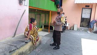 Sosialisasikan Imbauan Jangan Mudik, Bhabinkamtibmas Malimongan Keliling Kelurahan