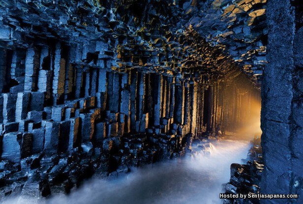 Fingal's Cave.jpg